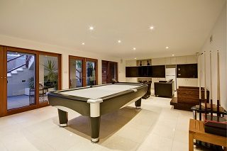 Pool table sizes in San Jose, California