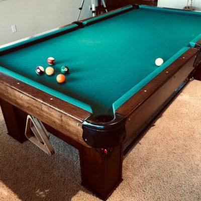 Beautiful 8.5 foot professional slate pool table